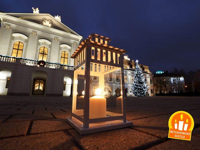 Aj tento rok bude Betlehemské svetlo horieť v Prezidentskom paláci a postupne rozžiari celé Slovensko